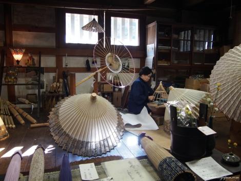 Hvordan lage paraplyer av bla bambus